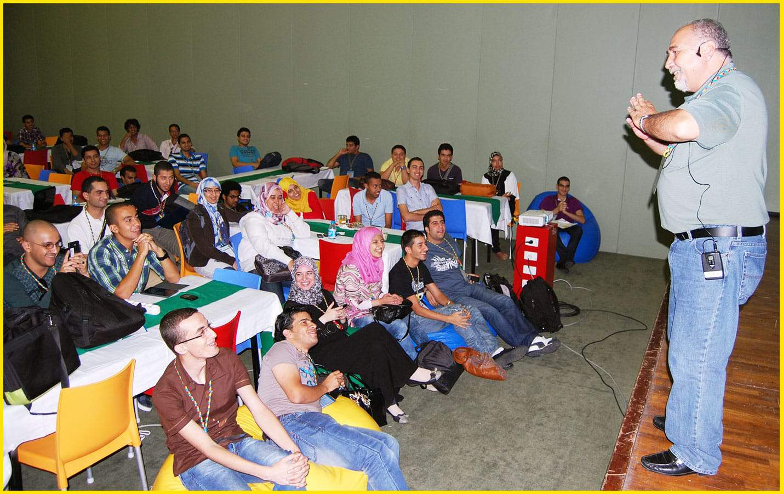 الدكتور فائق عويس يقدم دورة تدريبية عن المحتوى العربي على شبكة الإنترنت