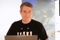 كيف تتعامل جوجل مع المحتوى الذي تم إنشائه تلقائياً