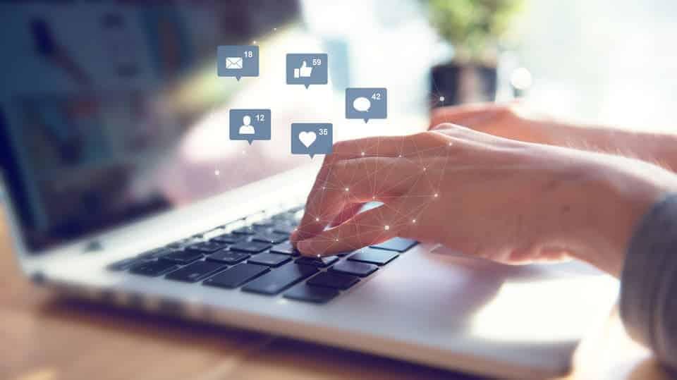 الشباب الإماراتي يأخذ زمام المبادرة في مجال السلامة عبر الإنترنت