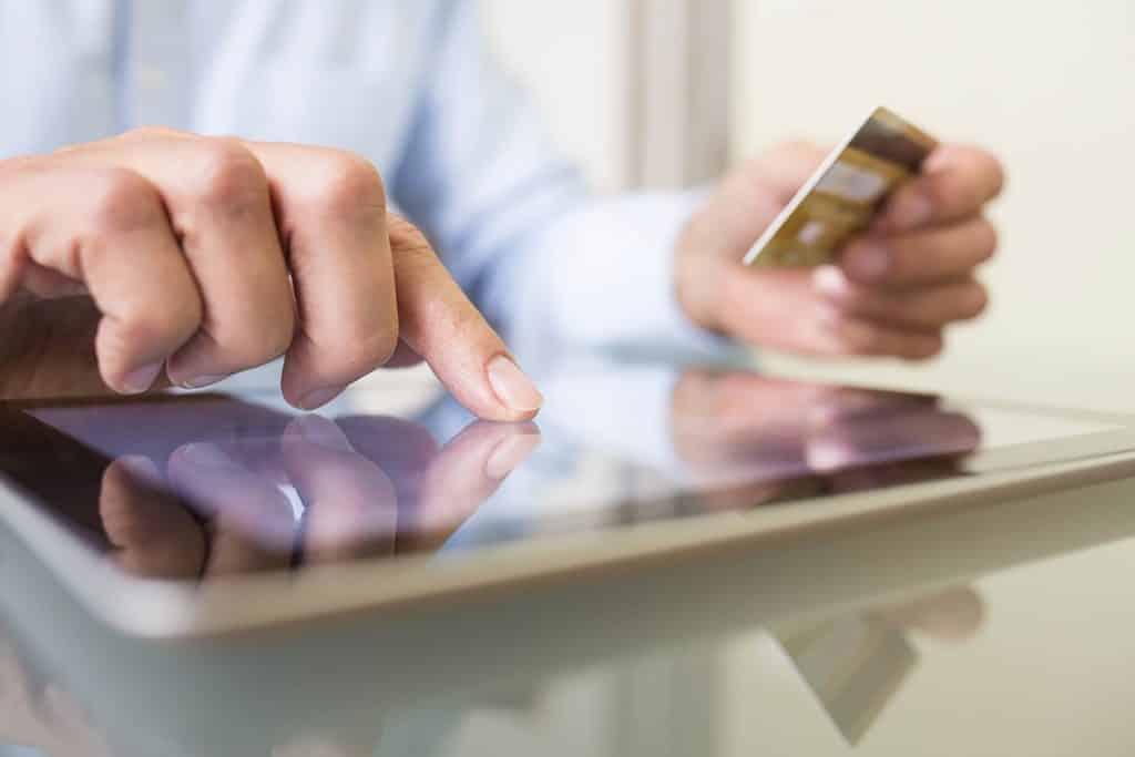 الإنفاق على الإنترنت خلال موسم العطلات 2019 سيصل إلى 143.7 مليار دولار